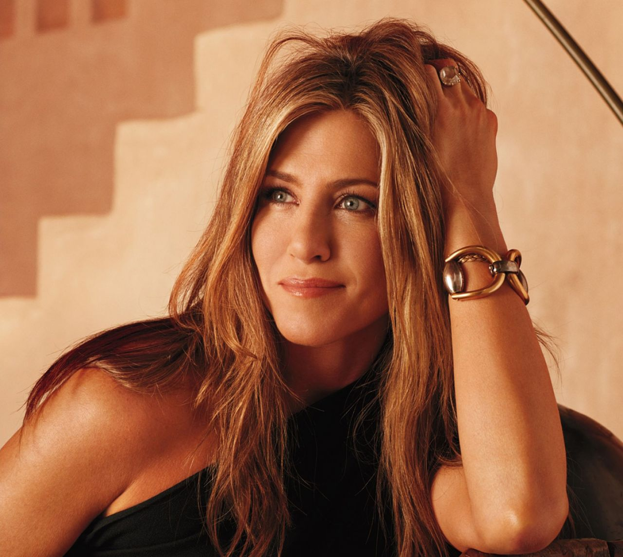 Jennifer Aniston - Pho... Jennifer Aniston