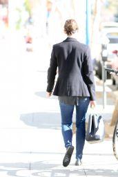 Jennifer Garner in Jeans - Out in Los Angeles, Jan. 2015