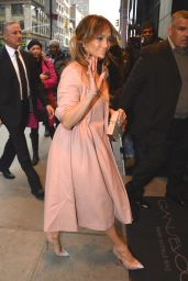 Jennifer Lopez Style - Returning to Her Hotel in New York City, January 2015