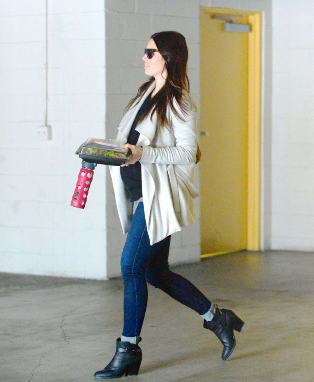 Jessica Biel Street Style - Out in Los Angeles, January 2015