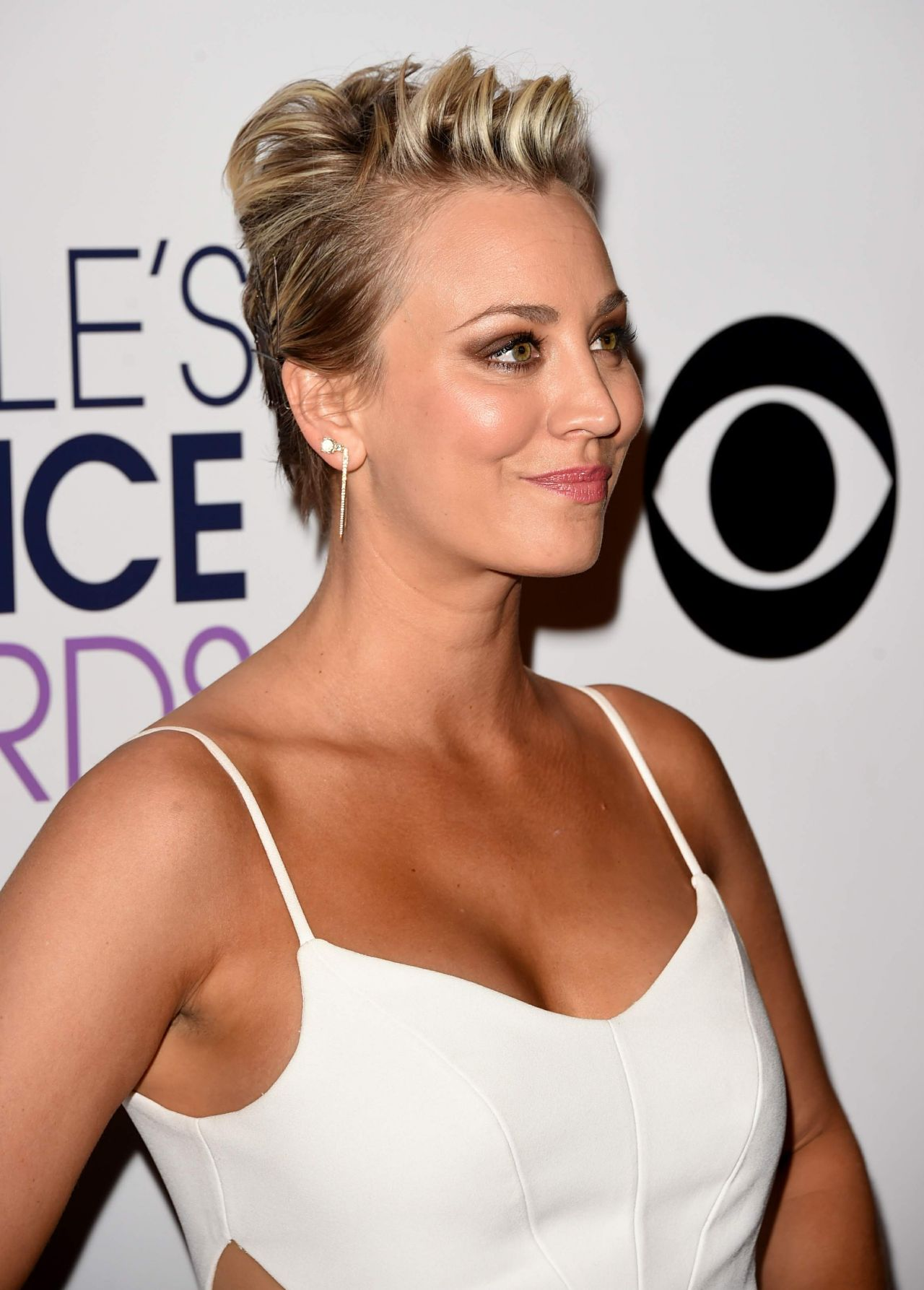 Kaley Cuoco  2015 Peoples Choice Awards In Los Angeles-8556
