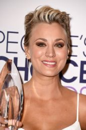 Kaley Cuoco – 2015 People's Choice Awards in Los Angeles