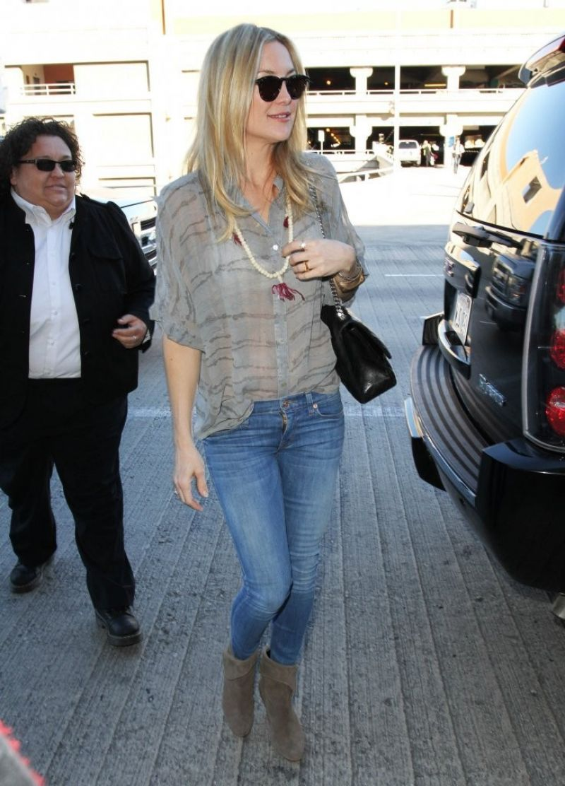 Kate Hudson In Jeans Lax Airport In Los Angeles January 2015