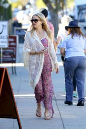 Kate Hudson Style - Out in Brentwood, January 2015