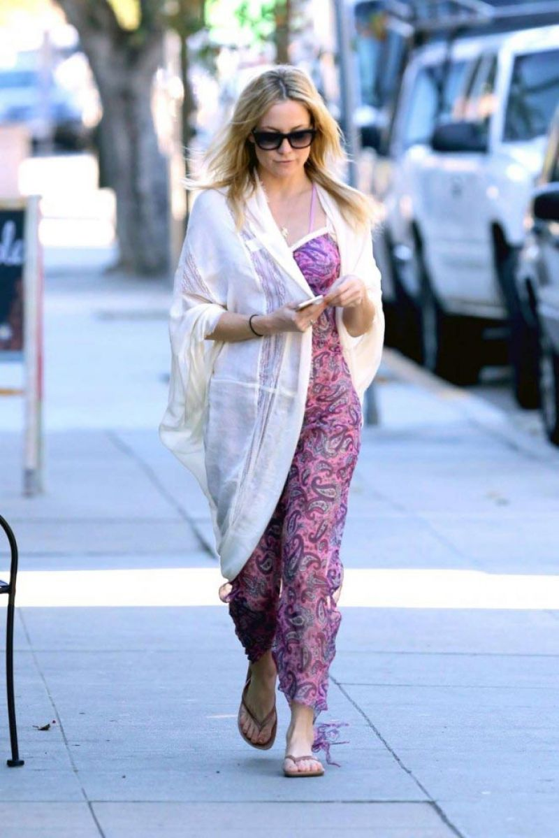 Kate Hudson Style Out In Brentwood January 2015