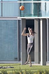 Kendall Jenner in Tights - Playing Volleyball in the Garden, January 2015