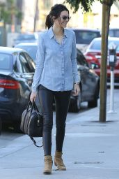 Kendall Jenner - Shopping for furniture with friends in West Hollywood - Jan. 2015