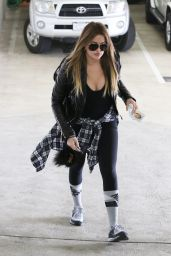 Khloe Kardashian - Arriving at a Gym in Beverly Hills, January 2015
