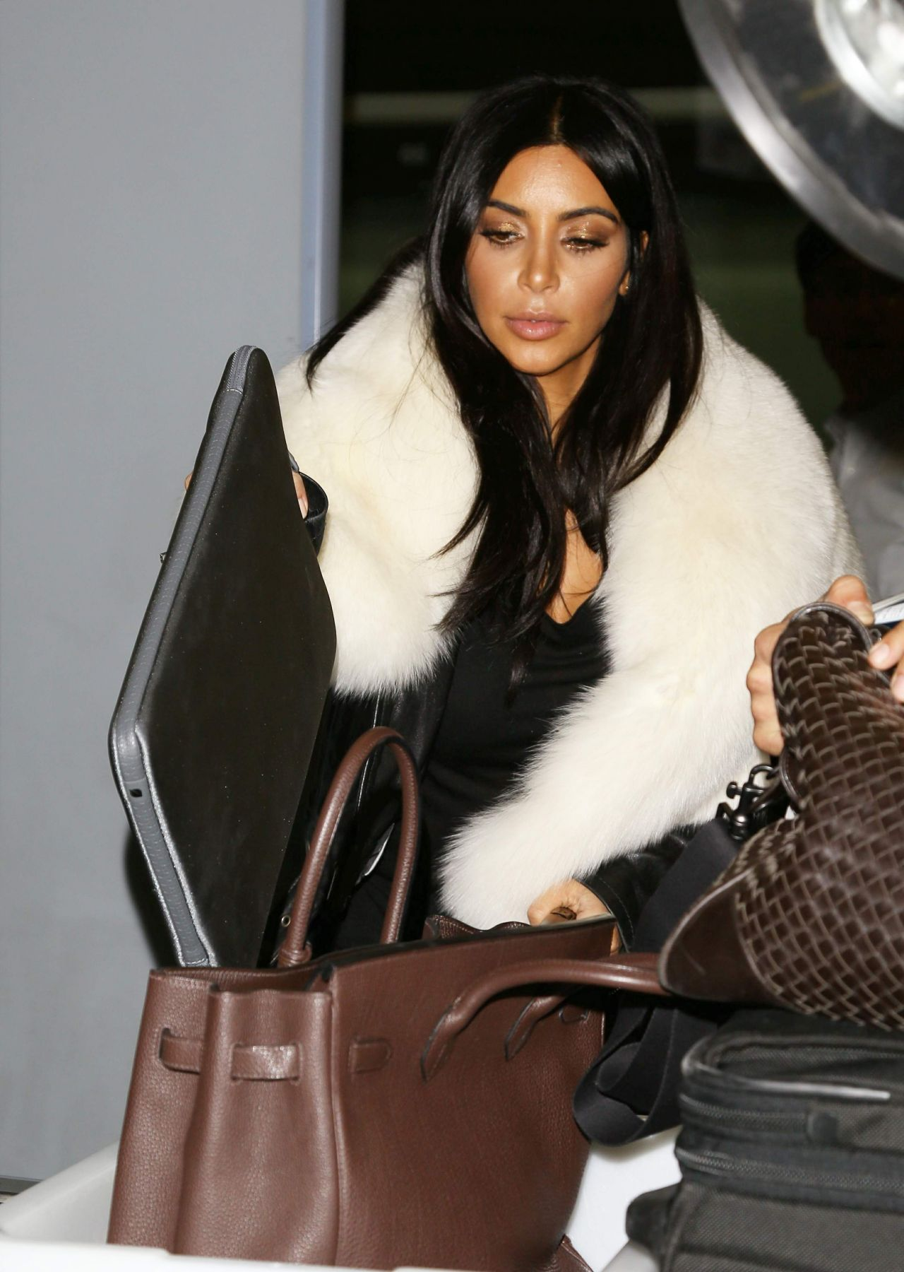 Kim Kardashian Street Style At Lax Airport In Los