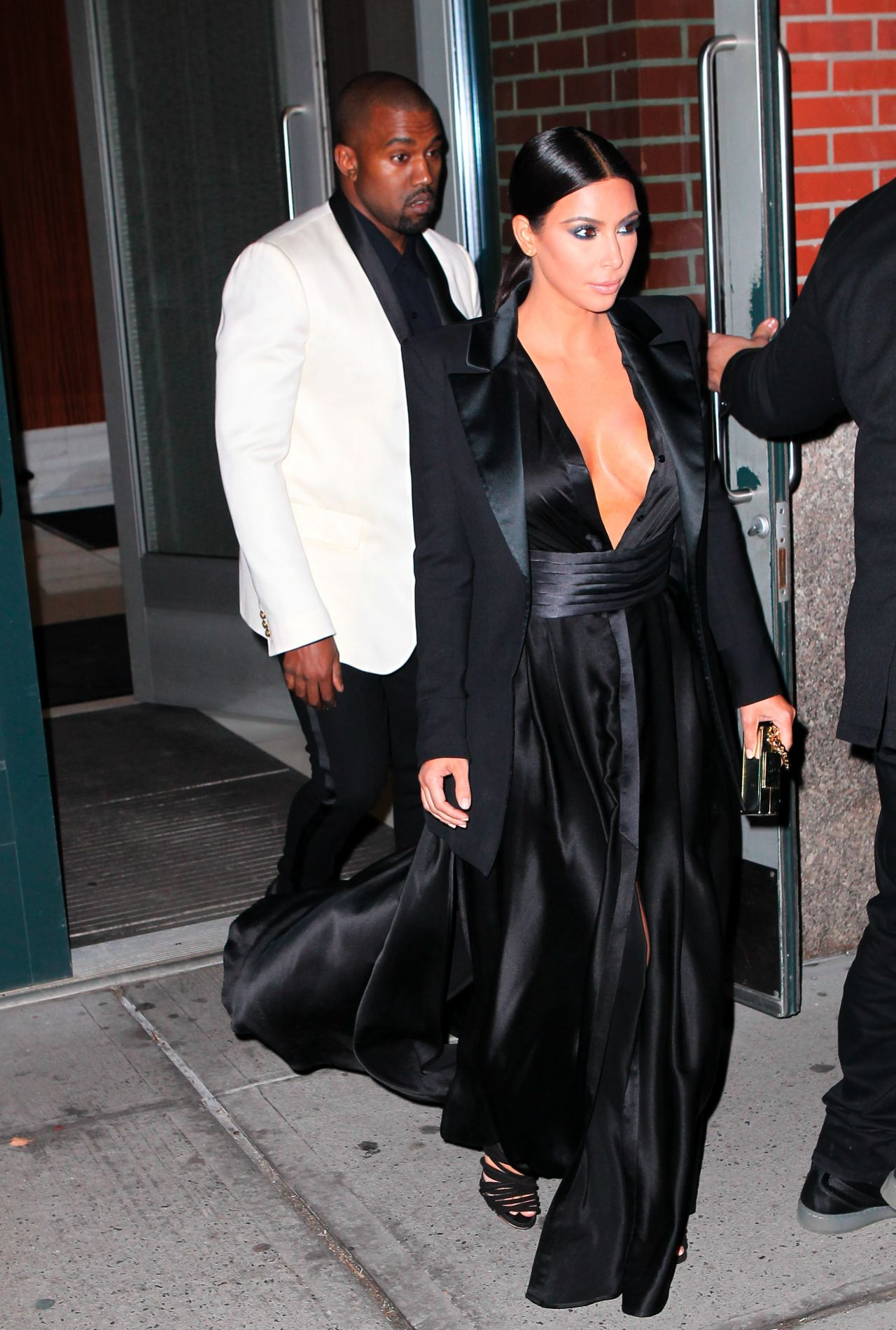 Kim Kardashian 2015 Celebrity Photos Style Out To Dinner In Nyc January