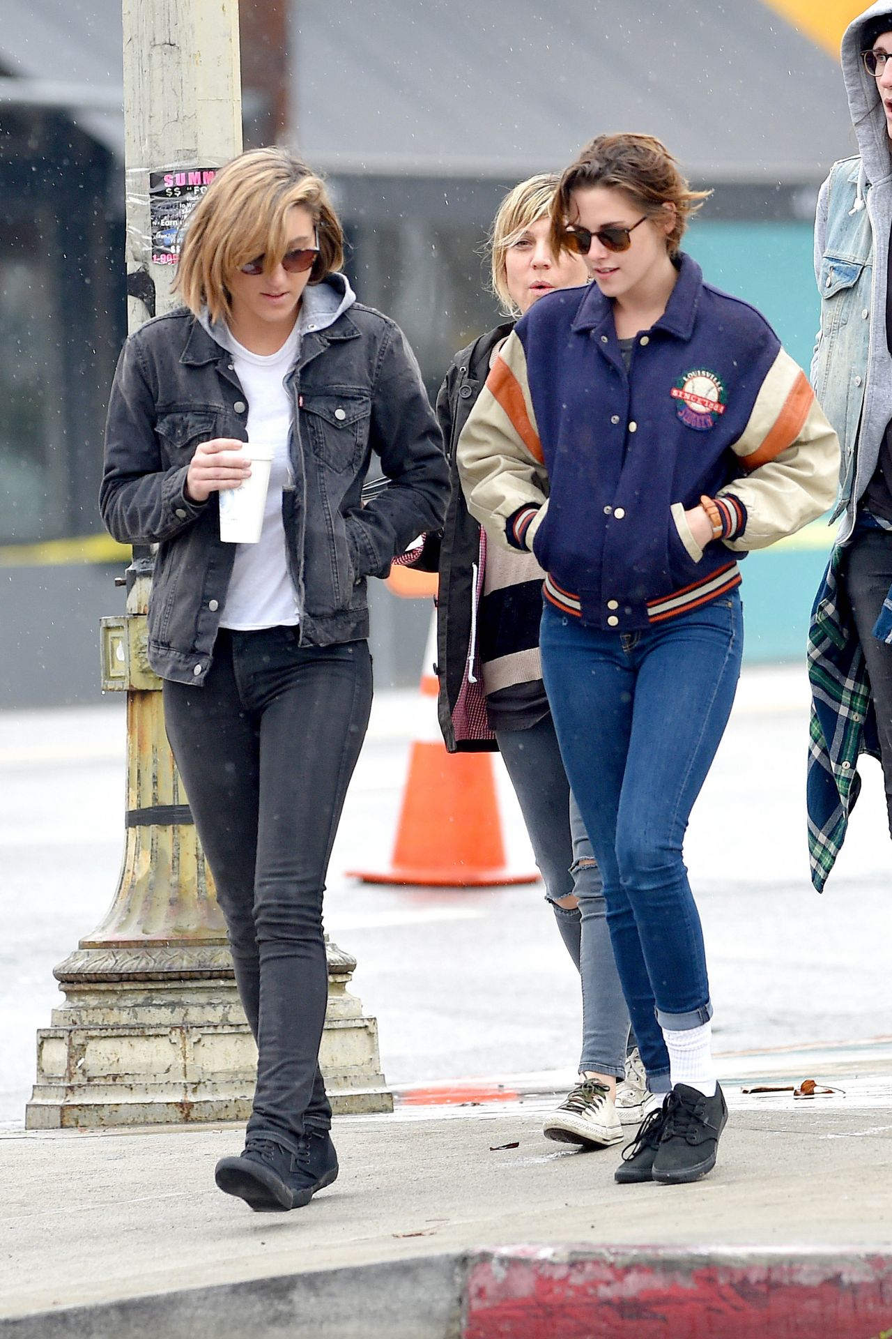 Kristen Stewart 2015 Fotos De Famosos Street Style Out With Friends In La Jan