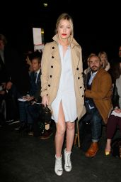Laura Whitmore - E.Tautz Show at the London Collections: Men Autumn / Winter 2015
