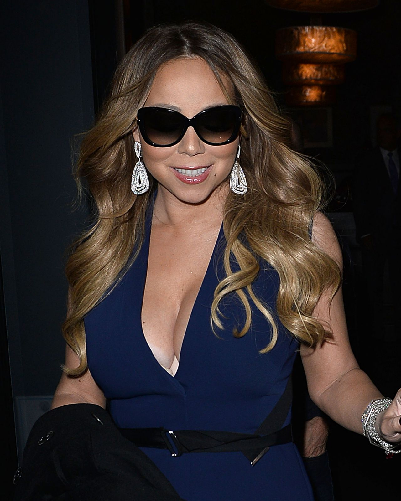 Mariah Carey Style – Has Dinner at Craigs Restaurant, Jan. 2015