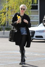 Miley Cyrus Style - Out in Studio City, January 2015