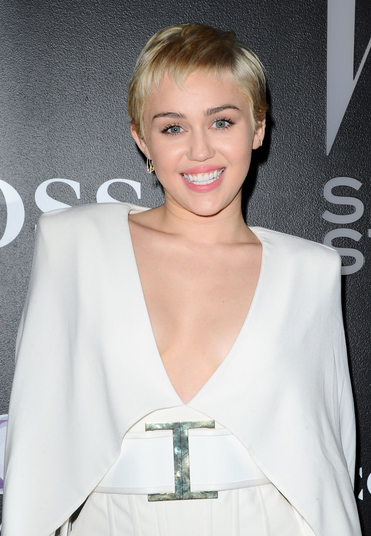 Miley Cyrus W Magazine S Shooting Stars Exhibit 2015 In
