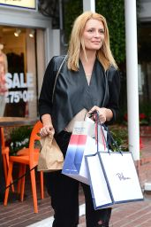 Mischa Barton - Out for lunch at Fred Segal Cafe in Los Angeles, January 2015