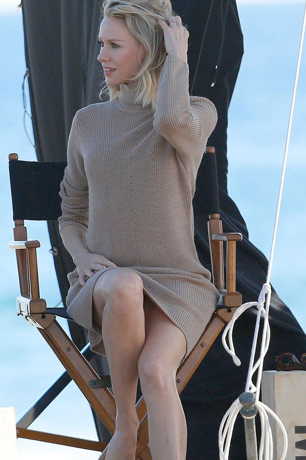 Naomi Watts – Filming A Commercial On Beach In Malibu California ... Naomi Watts