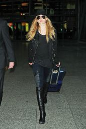 Natalie Dormer - Arrives at Heathrow Airport in London, January 2015