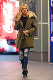Nicola Peltz - at Vancouver International Airport - January 2015