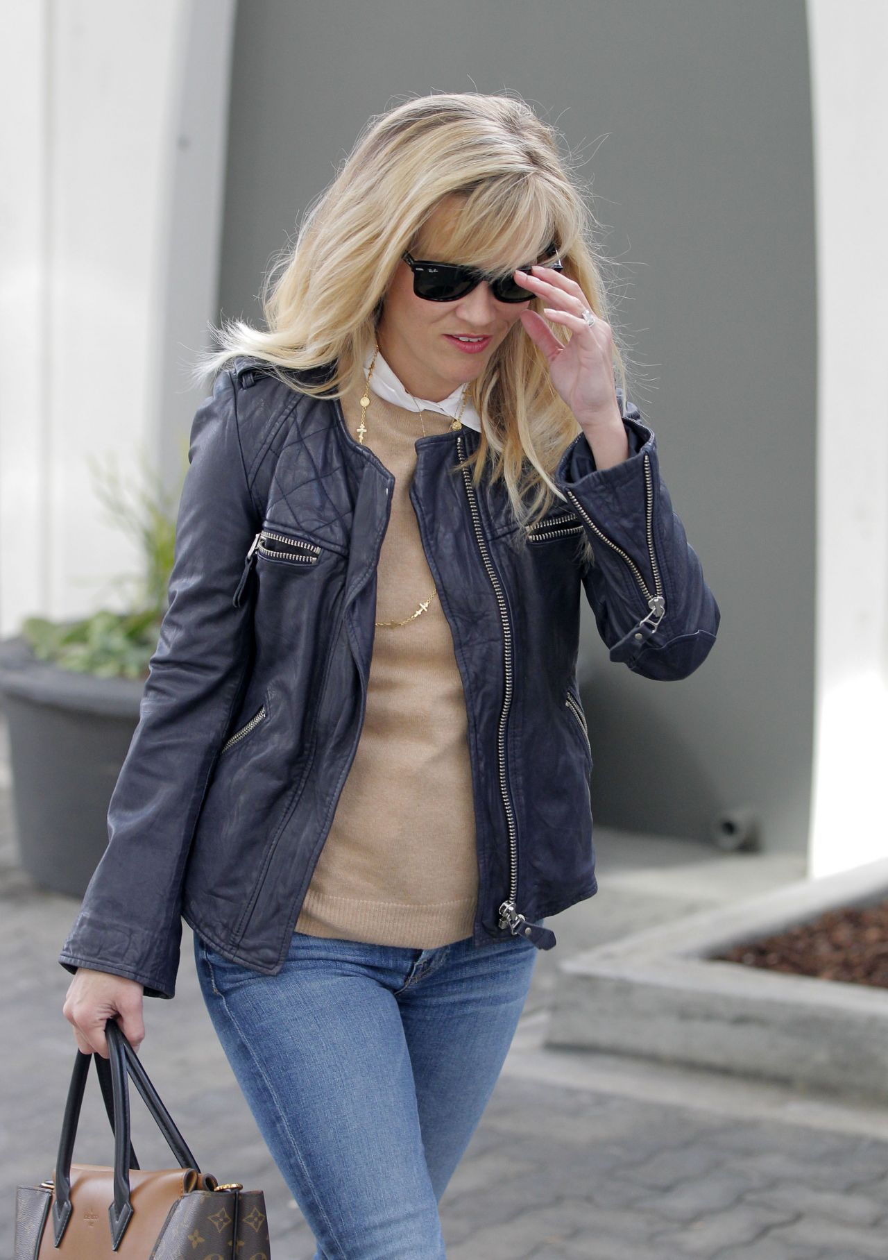 Reese Witherspoon Street Style - Leaving Her Office in Beverly Hills, December 2014