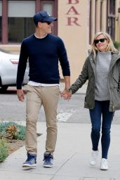 Reese Witherspoon Street Style - Out in Venice, January 2015