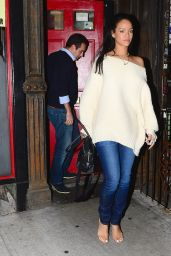 Rihanna Casual Style - Out in New York City - January 2015