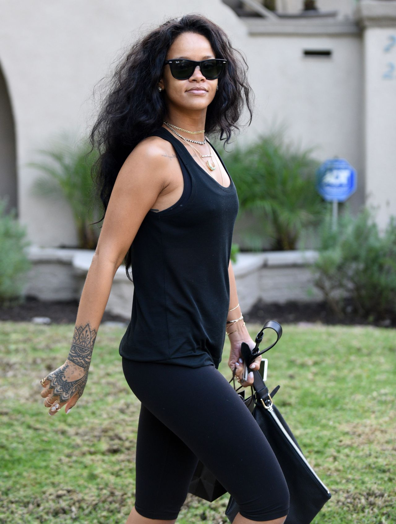 rihanna in leggings out in beverly hills january 2015
