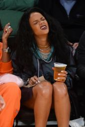 Rihanna - LA Lakers VS Cleveland Cavaliers Game in Los Angeles, Jan. 2015