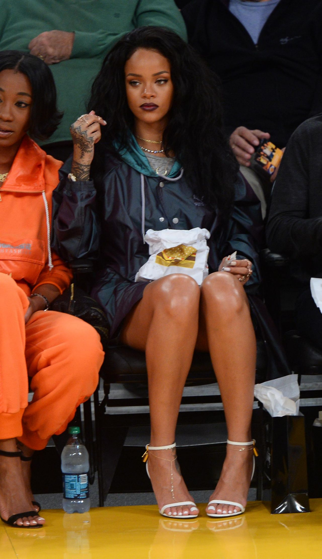 Rihanna La Lakers Vs Cleveland Cavaliers Game In Los