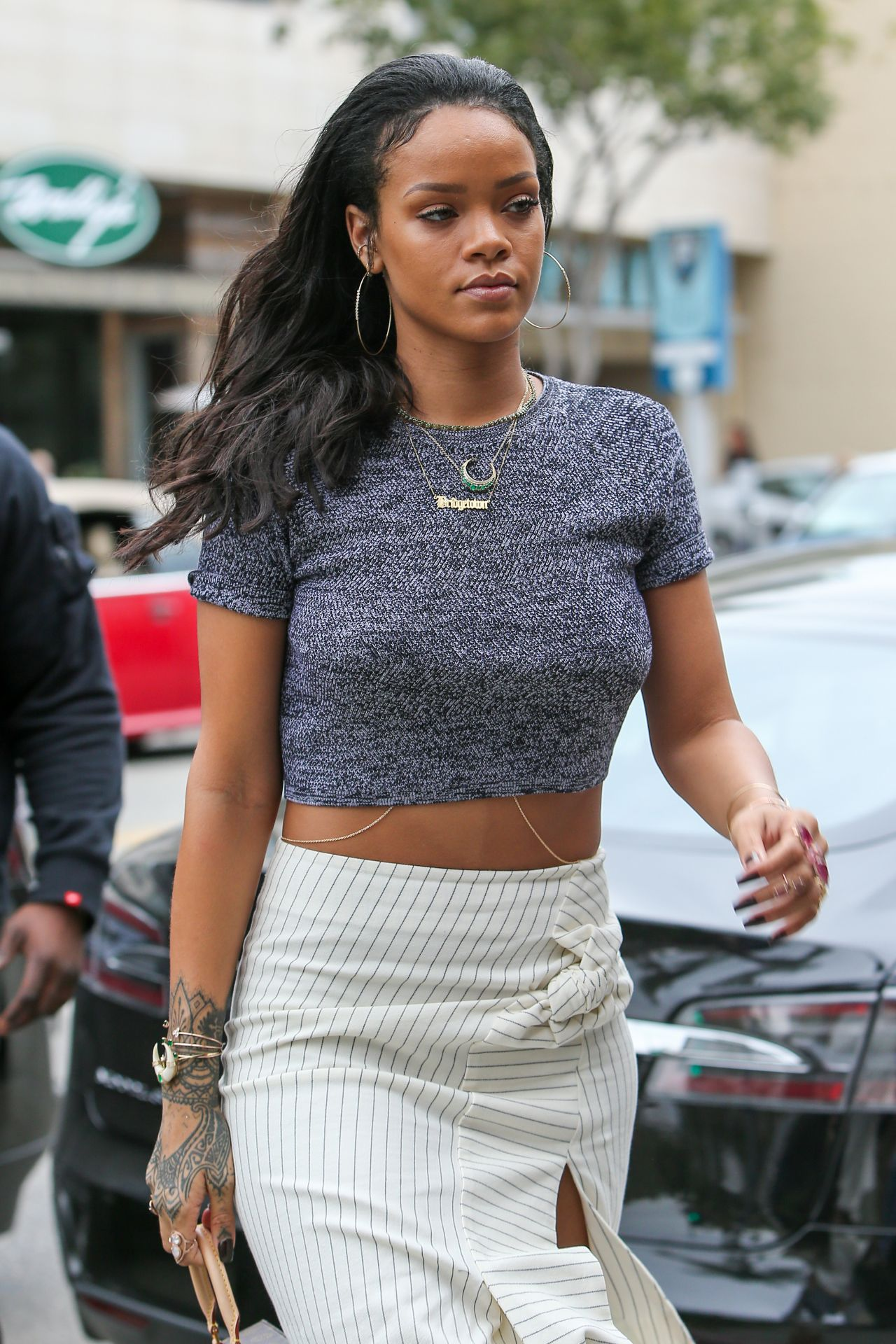 rihanna style out in beverly hills january 2015