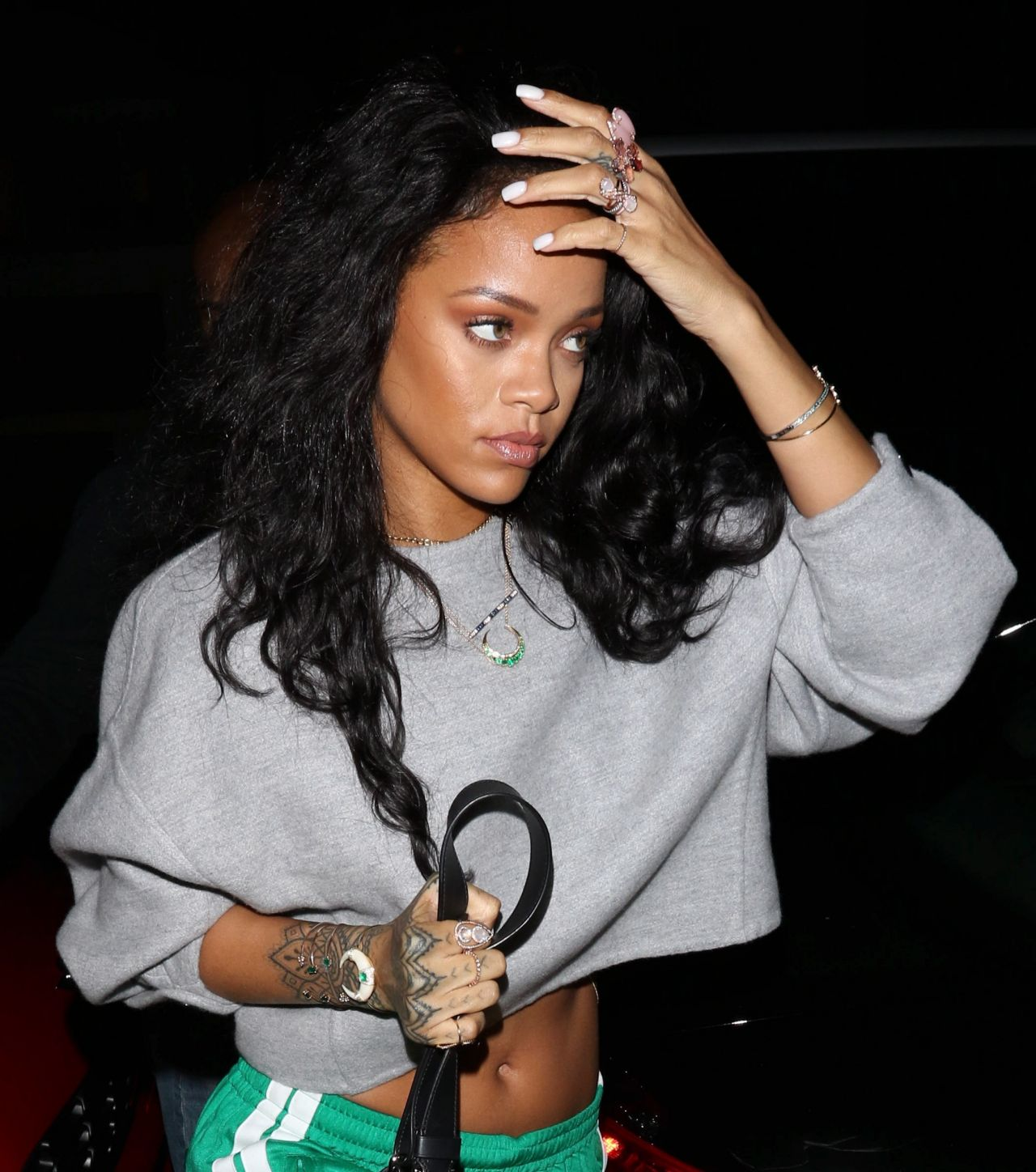who is rihanna dating january 2015 Malik began dating american model gigi hadid in late 2015 hadid appeared in zayn's music video for pillowtalk they appeared together on the august 2017 cover of vogue.