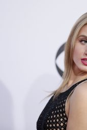 Rita Volk – 2015 People's Choice Awards in Los Angeles