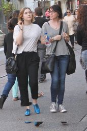 Saoirse Ronan - Shopping With Her Mother at The Grove, Los Angeles, Jan. 2015