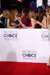 Sarah Hyland – 2015 People's Choice Awards in Los Angeles