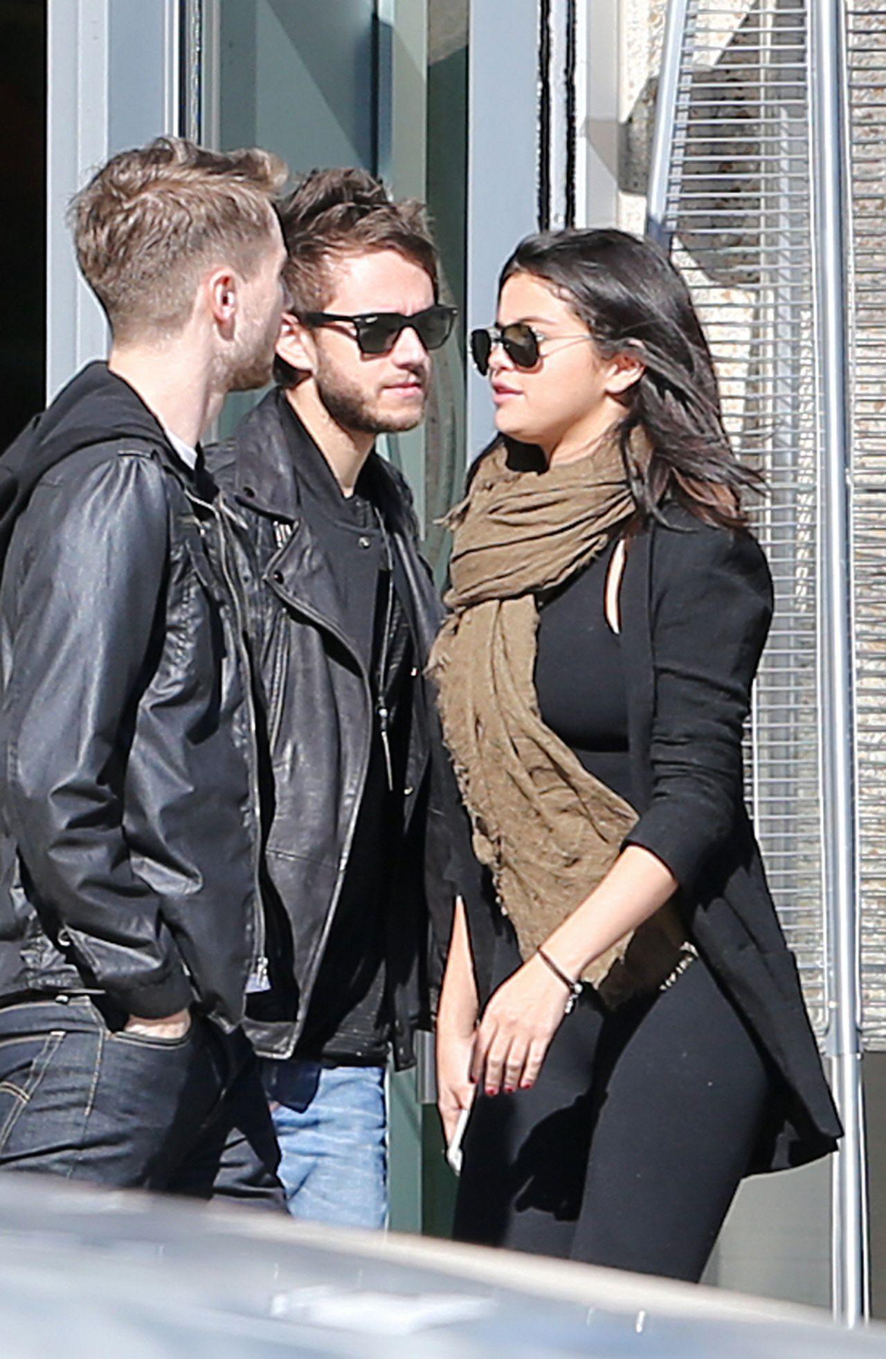 Selena gomez dating