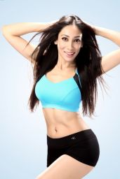 Sofia Hayat Sportswear Photoshoot - Sportsbra and Shorts (2014)