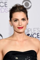 Stana Katic – 2015 People's Choice Awards in Los Angeles