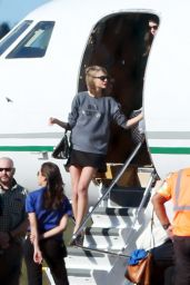 Taylor Swift - Aarriving in Hawaii, January 2015