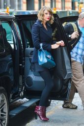 Taylor Swift Street Style - Returns to Her New York CIty Apartment - January 2015