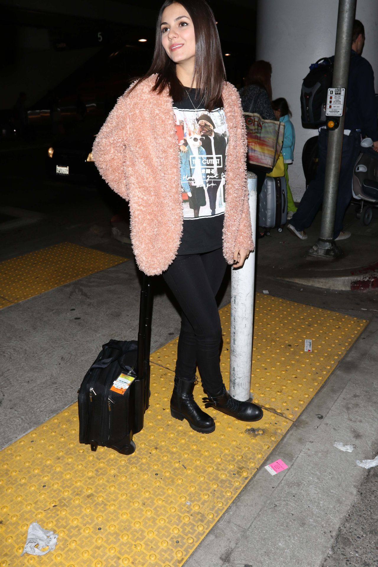 Victoria Justice Casual Style - at LAX Airport, January 2014