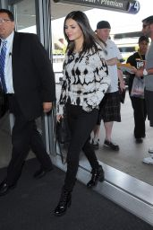 Victoria Justice Style - at LAX Airport, January 2015