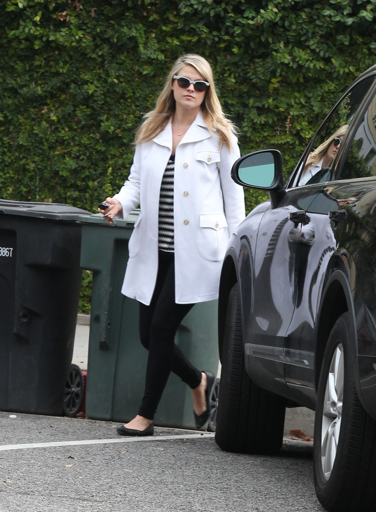 Ali Larter Style - Leaving The Walther School in West Hollywood, February 2015