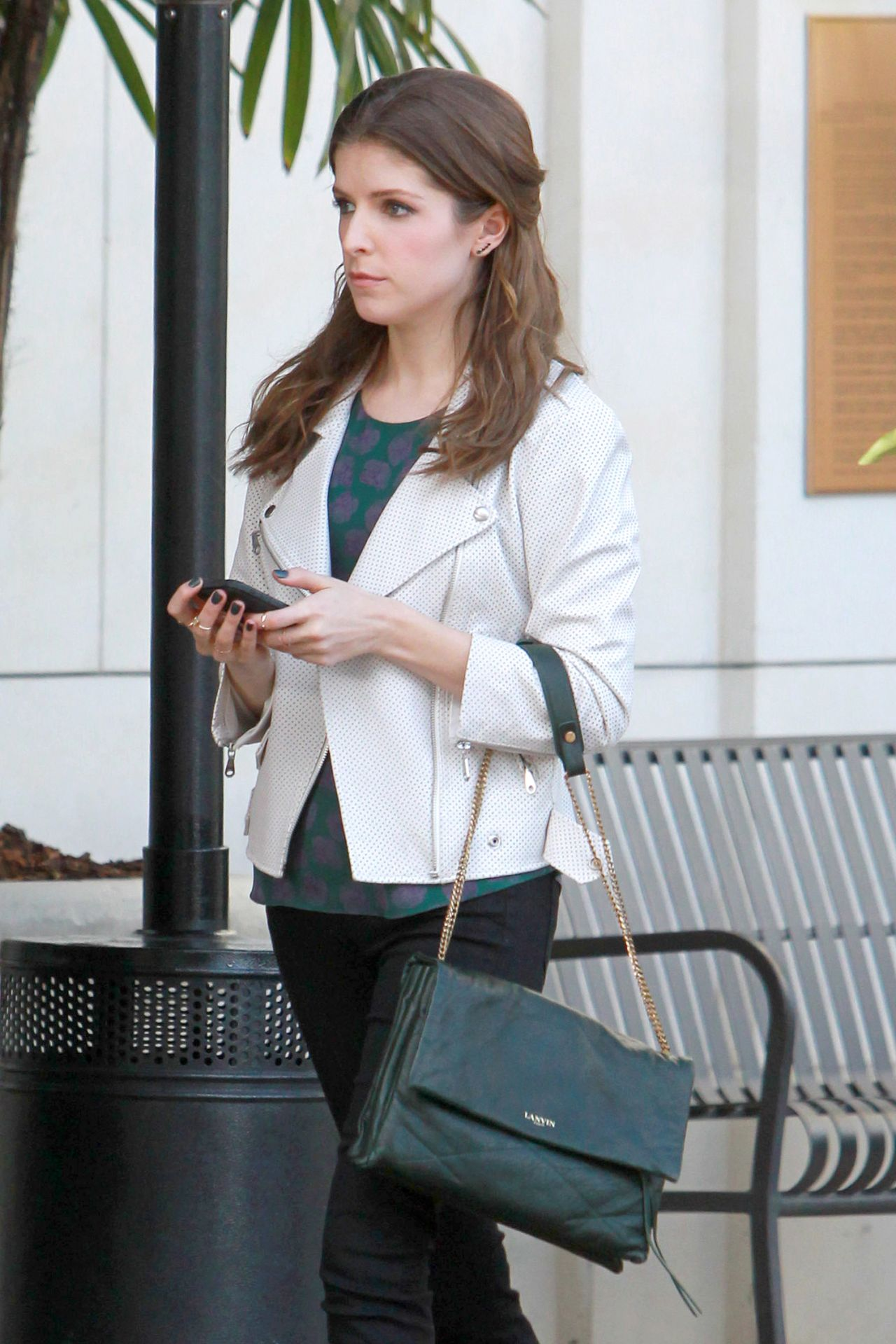 Anna Kendrick - 2015 Celebrity Photos - Fashion Going to the Grove in ... Anna Kendrick