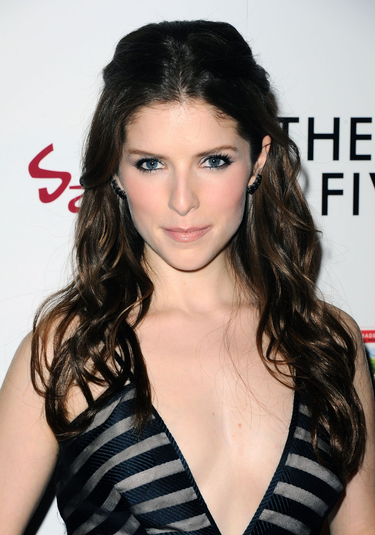 Anna Kendrick – 'The Last Five Years' Premiere in Hollywood Anna Kendrick