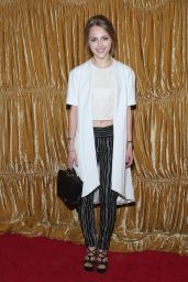 AnnaSophia Robb – alice + olivia by Stacey Bendet Fashion Show in New York City, Feb. 2015