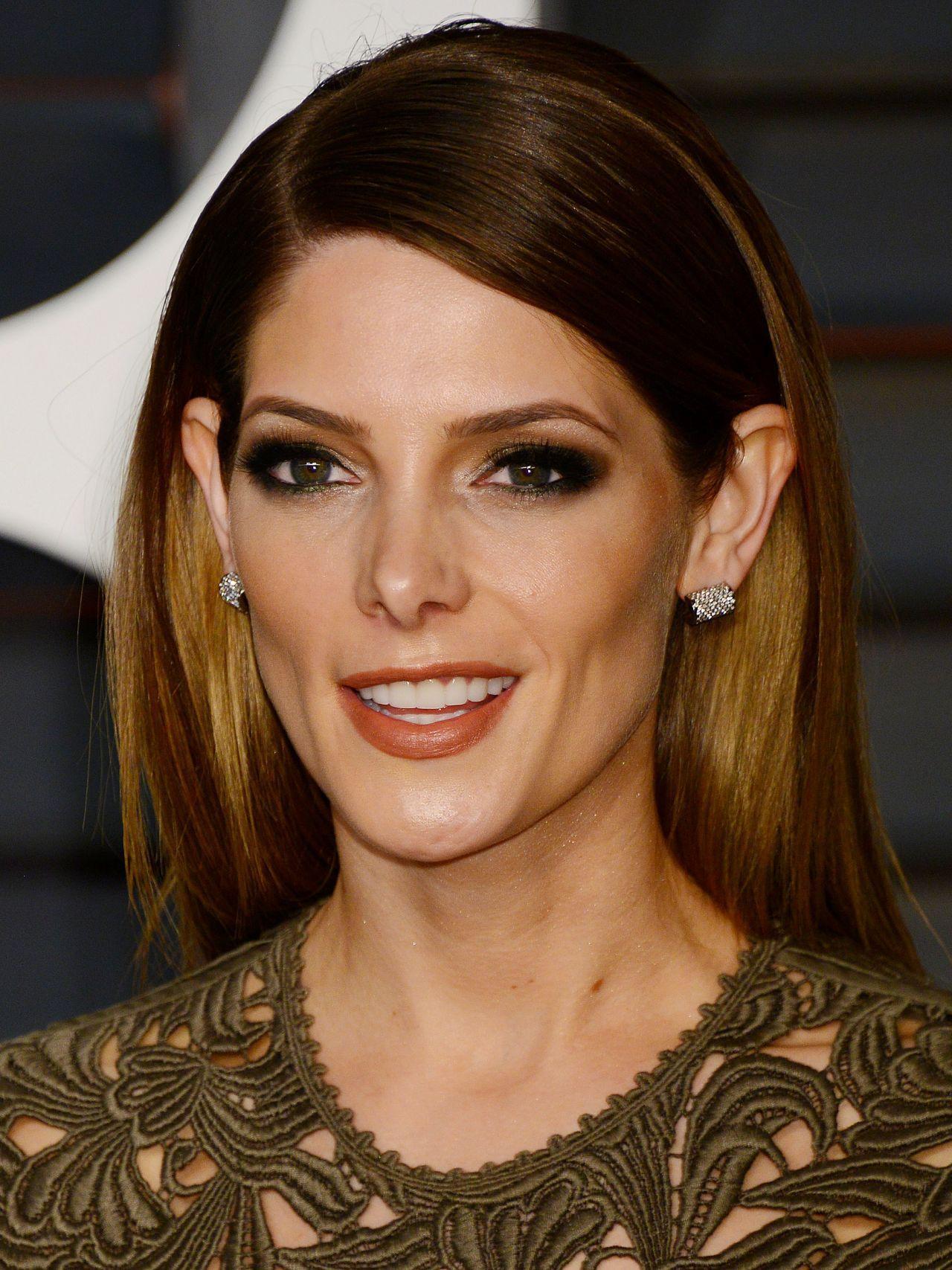 Ashley Greene 2015 Vanity Fair Oscar Party In Hollywood