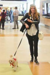 Bella Thorne Street Style - Victoria Island Airport in Victoria, Feb. 2015