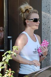 Britney Spears - at Dance Studio in Thousand Oaks, February 2015