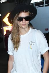 Cara Delevingne Street Style - at LAX Airport in Los Angeles