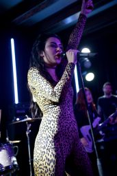 Charli XCX Performs at Warner Music Group Grammy 2015 After Party in Los Angeles
